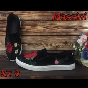 Massini Black With Red Floral Embroidered Shoes 9
